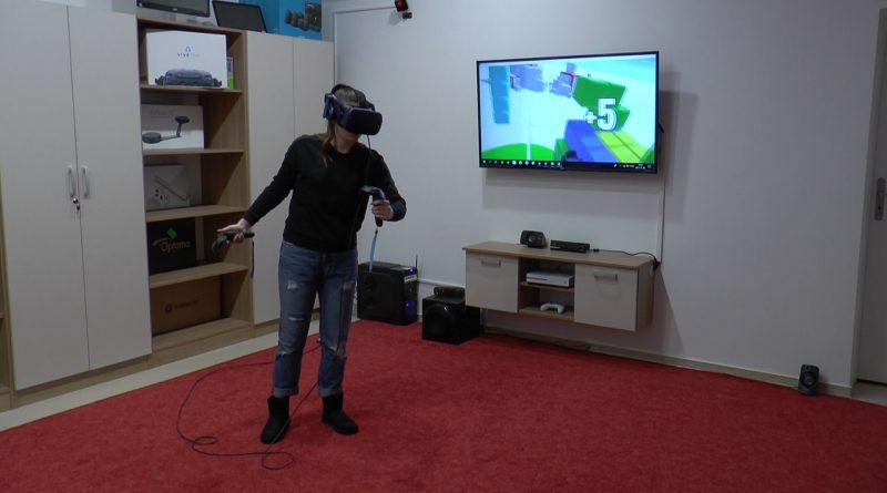 Virtuális valóság, 3D nyomtató, akadálymentes mosdó. Fejlesztések a könyvtárban – VIDEÓ