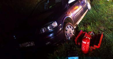 Vízelvezető árokba csapódott egy autó Böhönyénél