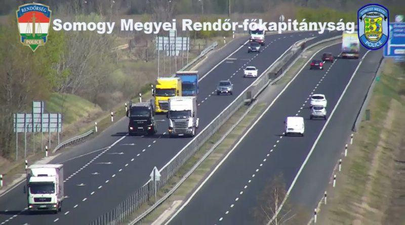 Kamionok ellenőrzése drónnal az M7-es autópályán – VIDEÓ