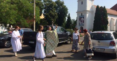 Szent Kristóf közbenjárását kérték a közlekedőkre.
