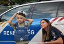 Rendőrök lepték meg a négyéves Armandot